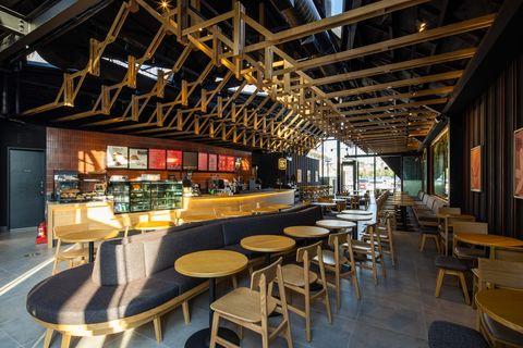 雲林北港星巴克新開幕!以傳統民俗文化貫穿建築設計、同步推出北港星巴克限定馬克杯