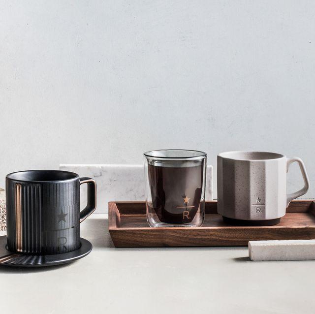 星巴克最新質感杯款「砂岩色系列」上市!粗礪磨砂馬克杯、簡約不鏽鋼水壺手感滿分