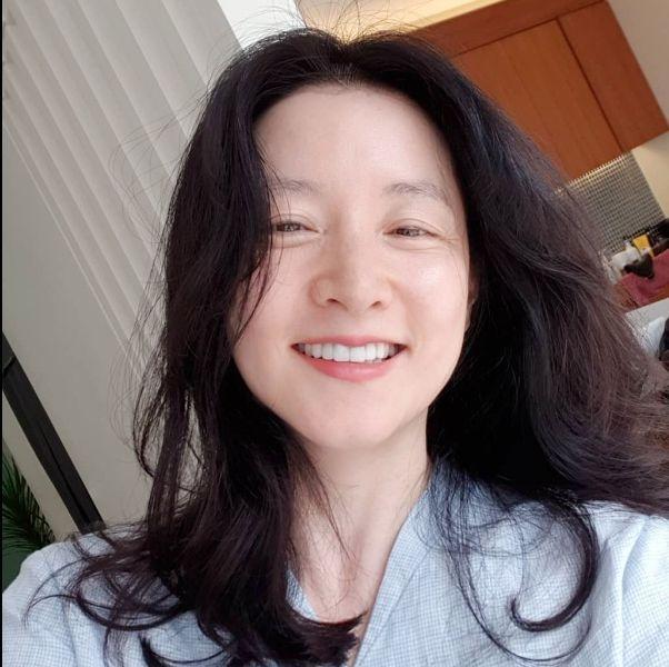 49歲李英愛凍齡