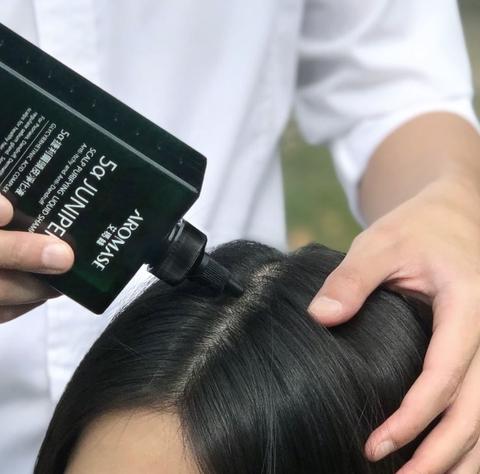 去除油膩感的洗頭髮步驟2:定期做頭皮清潔