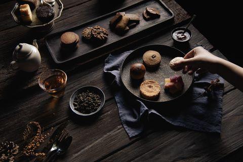深夜裡的法國手工甜點熱賣中秋禮盒回歸!2021單層經典、雙層奢華限定版本心意十足