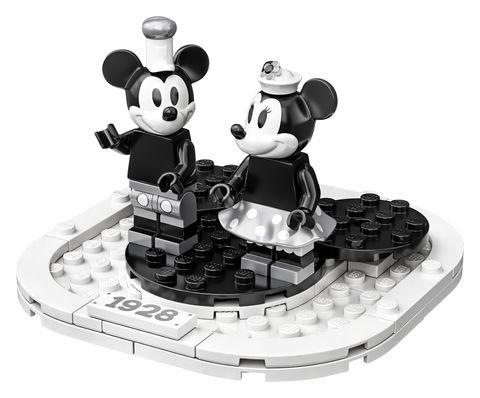 Toy, Cartoon, Black-and-white, Figurine, Panda, Style, Illustration,