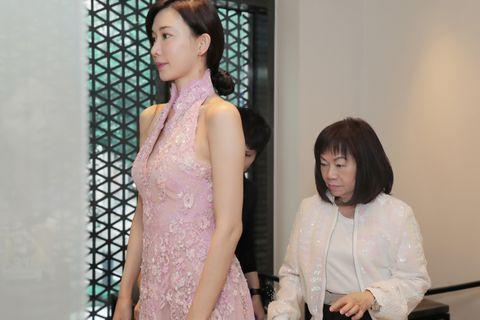 林志玲婚禮身穿SHIATZY CHEN 中式禮服送客