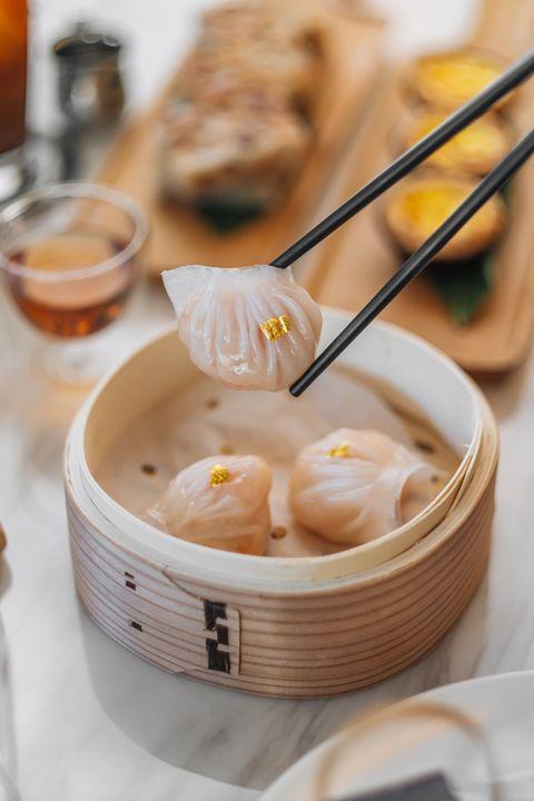 玖尹中式餐酒館推出全新下午茶套餐!酪梨腐皮鮮蝦卷、椰香棗皇糕等13道招牌港點一次看