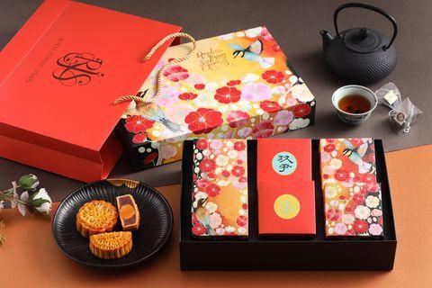 玖尹中式餐酒館獻上最體面的中秋禮盒!禧月茶韻雙饗禮「棗泥核桃蛋黃、白蓮蓉蛋黃」傳遞祝福