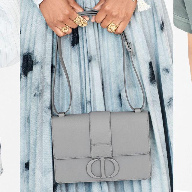 DIOR ULTRA MATTE 極致霧面系列包款推出新色!「特里亞農灰」、「裸膚粉」兩大氣質色經典包款必收