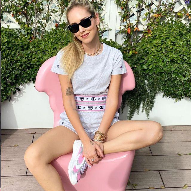 IG網紅 Chiara Ferragni 穿 Champion推出粉嫩運動套裝 宅在家也可愛