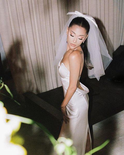 亞莉安娜(ariana grande)婚禮的白色婚紗造型