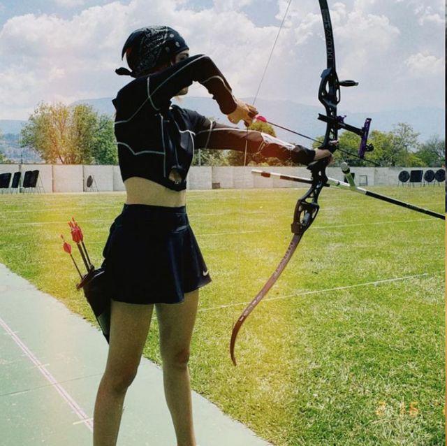 東京奧運射箭亮點不只中華隊拿銀牌 !21歲哥倫比亞女鷹眼高顏值超強實力爆紅 私下陽光又性感的穿搭也被熱搜