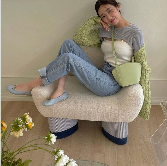 平底鞋怎麼穿優雅又顯高?8種韓國女星都愛的「平底鞋穿搭」技巧 任何場合都適用