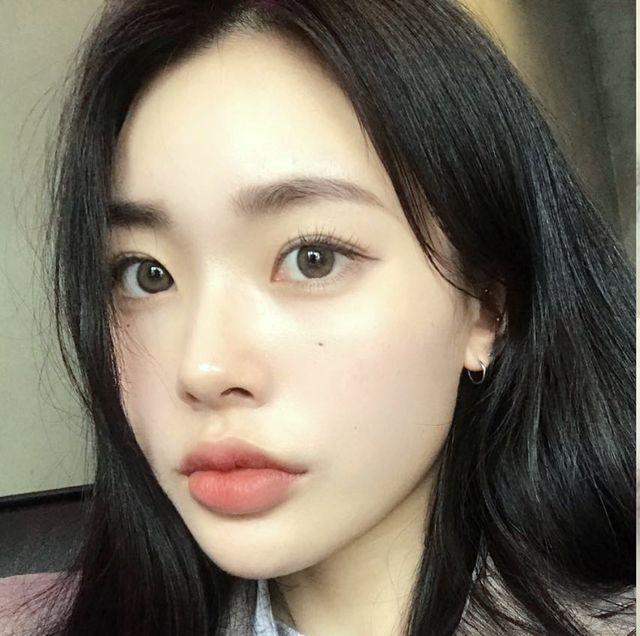 Eyebrow, Face, Hair, Forehead, Cheek, Skin, Nose, Lip, Eyelash, Chin,