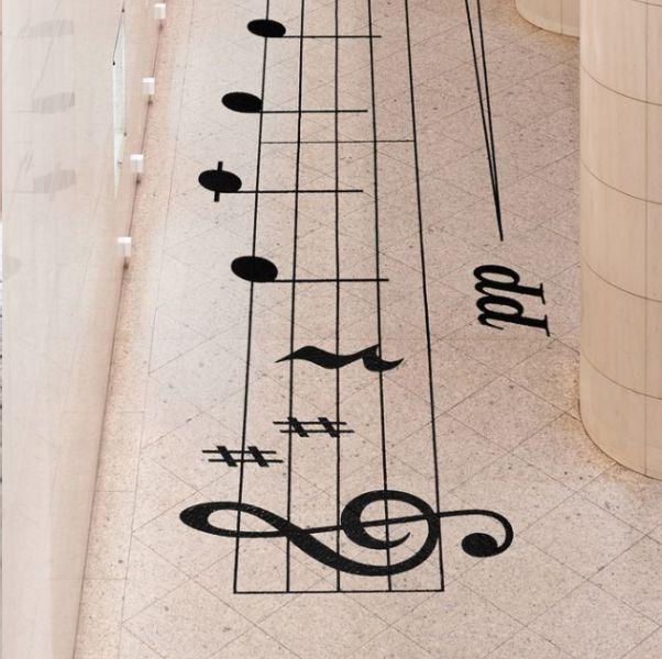 社交距離不寂寞!日本設計nosigner打造五線譜互動裝置,保持距離也能譜出美妙樂音