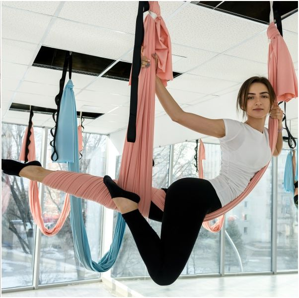 3招「基礎空中瑜珈減肥」動作矯正骨盆前傾、不正改善假胯寬
