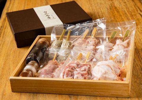 台北鳥喜推出「雞肉串燒禮盒」,把店裡的儀式感帶回家烤