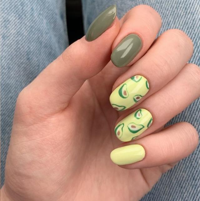 Finger, Yellow, Skin, Nail, Nail care, Toe, Nail polish, Thumb, Ring, Beige,