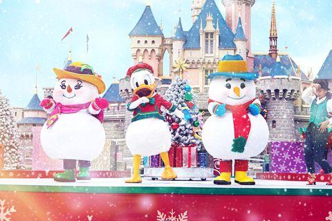 Snowman, Cartoon, Christmas eve, Christmas, Illustration, Santa claus, Animated cartoon, World, Christmas decoration, Animation,