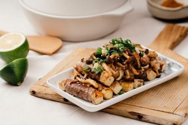胡麻菇菇肉片捲