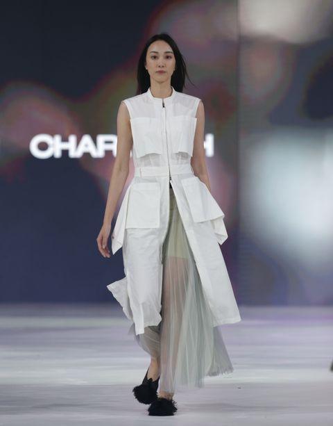 【臺北時裝週】台灣設計師品牌在開幕歡迎晚會�發表2002春夏新品