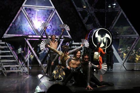 萬華響MANGEKYO現代和太鼓表演與光雕投影團隊teamLab合作