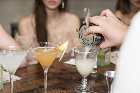 Drink, Classic cocktail, Alcoholic beverage, Cocktail, Distilled beverage, Martini, Champagne cocktail, Daiquiri, Liqueur, Margarita,
