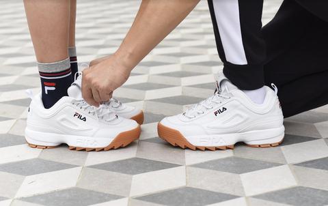 Footwear, White, Shoe, Sportswear, Leg, Sneakers, Outdoor shoe, Athletic shoe, Human leg, Ankle,
