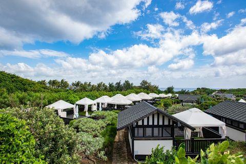 超豪奢夢幻營區!墾丁國家公園「貓鼻頭露營莊園」5大亮點:最佳觀星點、帳篷villa搭在珊瑚礁上