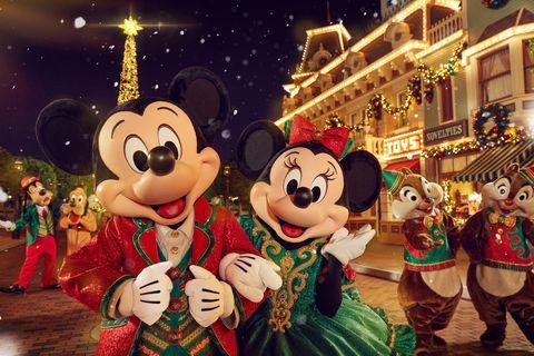 Animated cartoon, Christmas, Event, Fun, Christmas eve, Holiday, Walt disney world, Animation, Fête, Vacation,