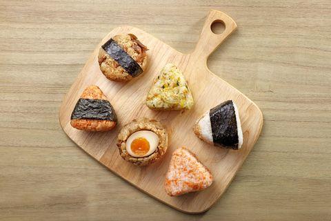 金葉名氣餅鮮蝦口味、日式飯糰早餐