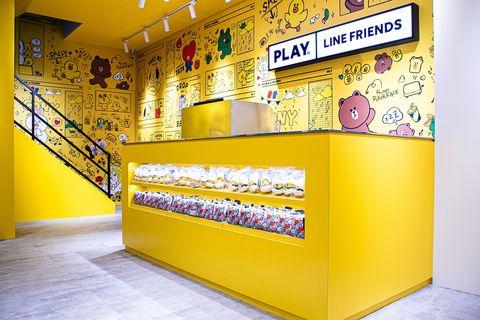 全台首間play line friends store在台中