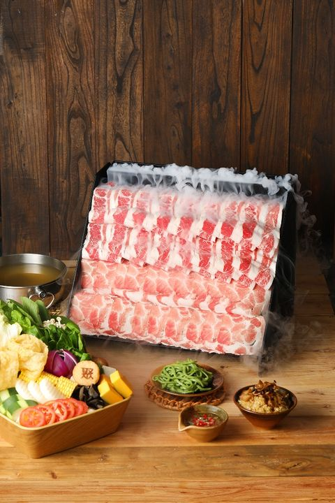 牛奶熊陪你吃火鍋!「聚 北海道鍋物」推出札幌起司牛奶鍋,火鍋自助吧+海陸套餐498元起