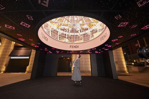 2020 全球最美時尚設計!dior、fendi 推出超夢幻巨大聖誕樹