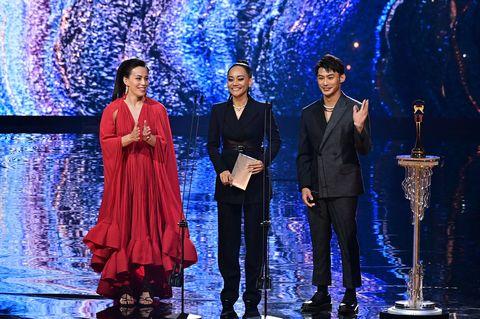 【金曲32】2021金曲獎紅毯、表演造型盤點!瘦子、田馥甄、吳青峰亮眼現身金曲現場