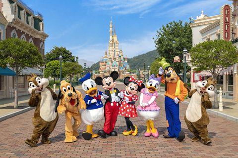 香港迪士尼樂園「奇妙夢想城堡」即將完成華麗變身,今年下旬隆重揭幕!