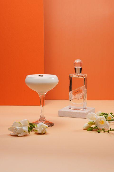台北w飯店攜手香緹卡推出「用喝的香水」?!woobar以香緹卡淡香精為靈感,打造floral lady限定調飲