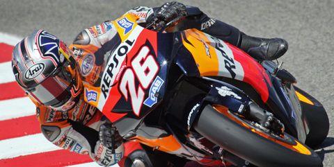Grand prix motorcycle racing, Superbike racing, Motorcycle racer, Road racing, Motorcycle, Race track, Motorsport, Vehicle, Motorcycle racing, Racing,