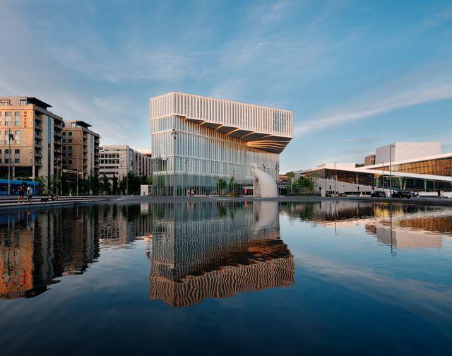 nuova sede della biblioteca diechman bjørvika firmata dagli studi atelier oslo e lundhagem