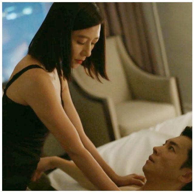 金喜愛《夫婦的世界》第四集瘋狂誘惑和他上床!刷新電視台最高收視紀錄