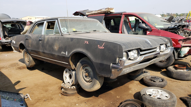 This 1967 Oldsmobile Cutlass Town Sedan is Junkyard Treasure