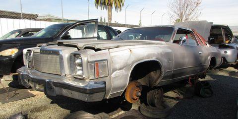 1978 Chrysler Cordoba in San Jose junkyard, LH front view