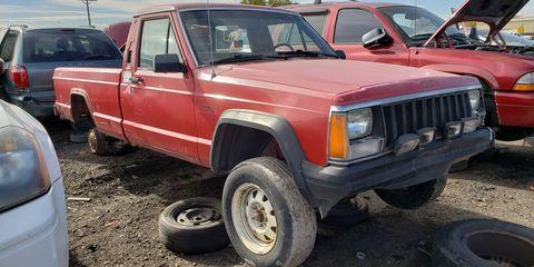 1986 Jeep Comanche in Colorado Junkyard