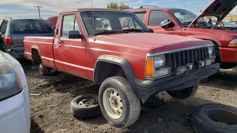 1986 Jeep Comanche in Colorado Junkyard