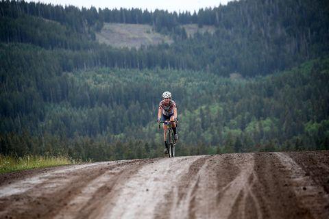 Cycling, Cycle sport, Vehicle, Dirt road, Bicycle, Outdoor recreation, Sports, Recreation, Mountain bike, Mountain bike racing,