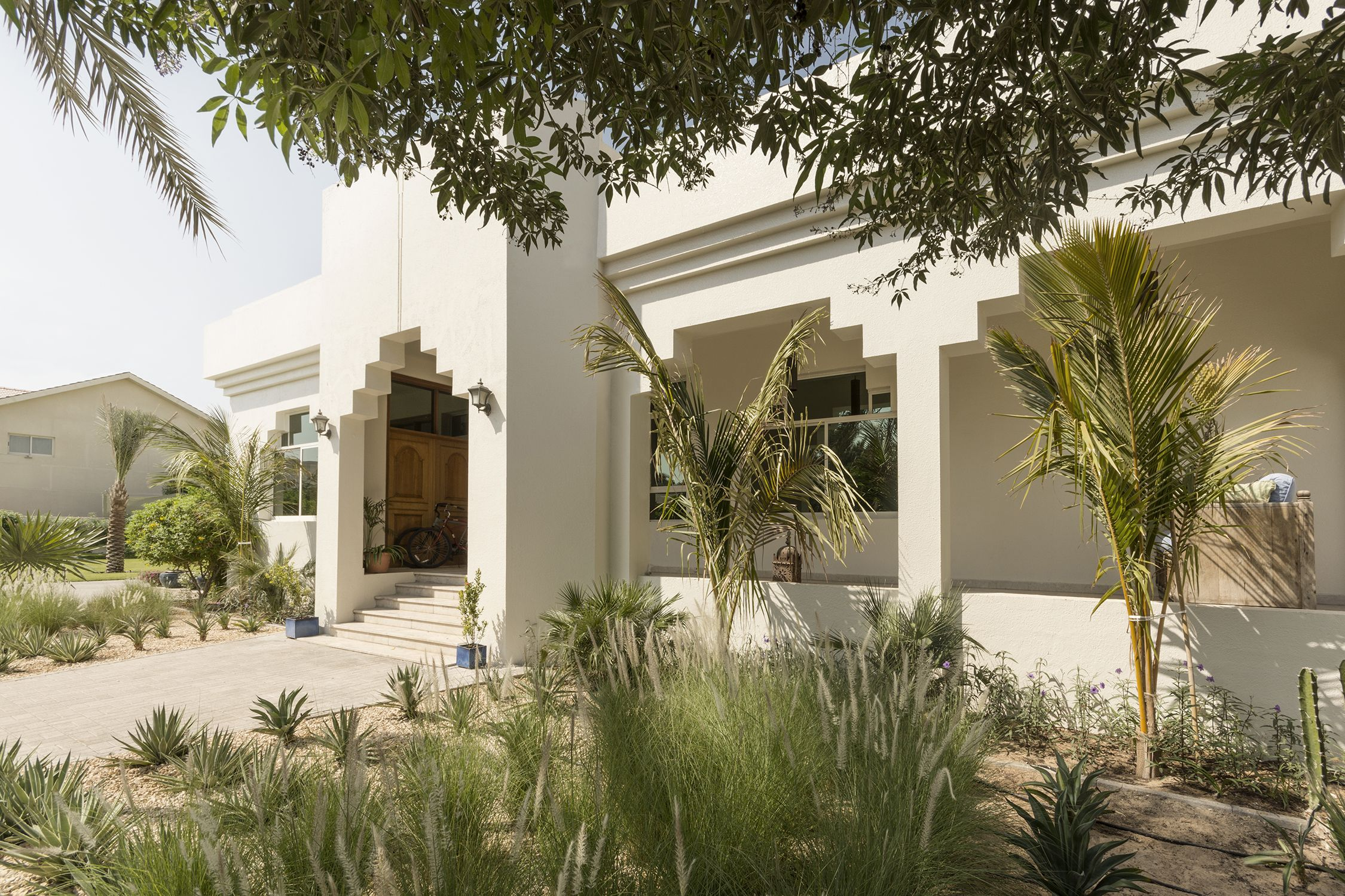 Italian Architects Take to Dubai for a Contemporary Villa