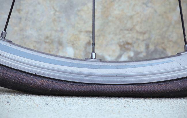 Pump Bike Tires How To Put Air In A Bike Tire