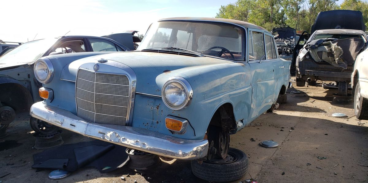 Mercedes-Benz Heckflosse Sedan Proves Nearly Indestructible, Lives to Age 53