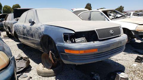 1990 lexus ls 400 in california wrecking yard
