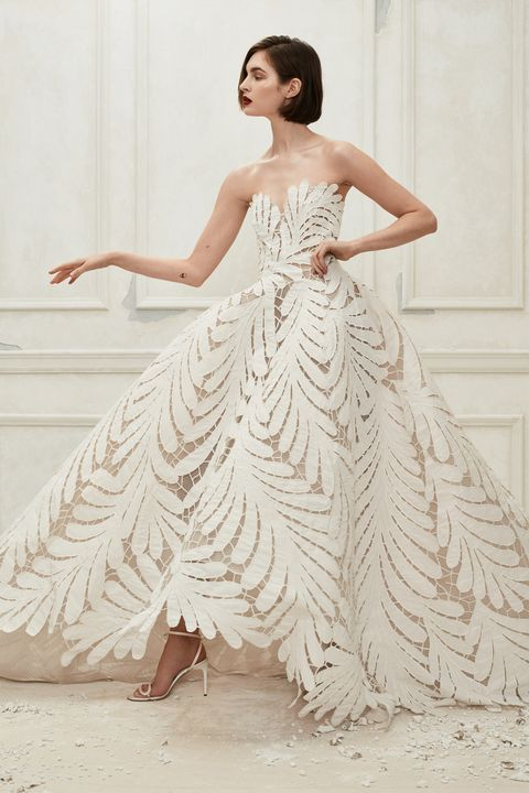 fe22312bd 80+ Best Wedding Dresses Fall 2019 - Top Autumn Bridal Runway Looks
