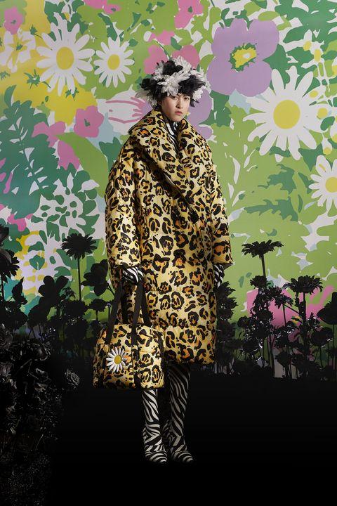 Clothing, Fashion, Yellow, Outerwear, Pattern, Illustration, Fashion illustration, Textile, Plant, Photography,