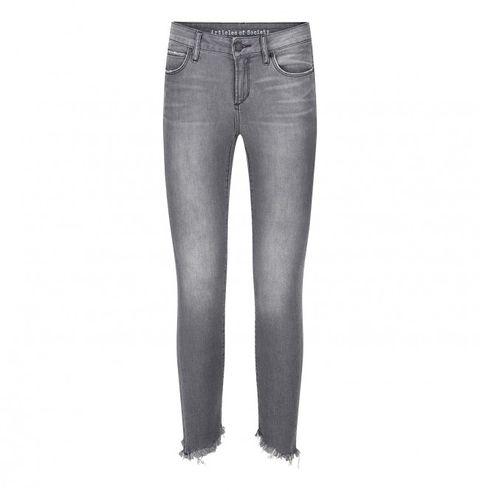 Denim, Jeans, Clothing, Pocket, Trousers, Textile, Leg, Waist, Thigh,