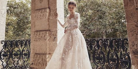 46aec4e58 70 Best Bohemian Wedding Dresses - Boho Wedding Dress Ideas for ...